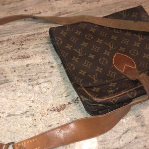 Louis Vuitton Bags - VINTAGE LOUIS VUITTON CROSSBODY